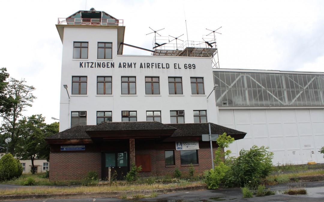 Auf den Harvey-Barracks liegt der Flugplatz, den der Luftsportclub Kitzingen für seinen Luftbetrieb nutzen will. Doch bis jetzt heißt es: warten. Der Luftsportclub braucht nämlich eine Genehmigung als Sonderflugplatz. (Foto: Thomas Feiler)