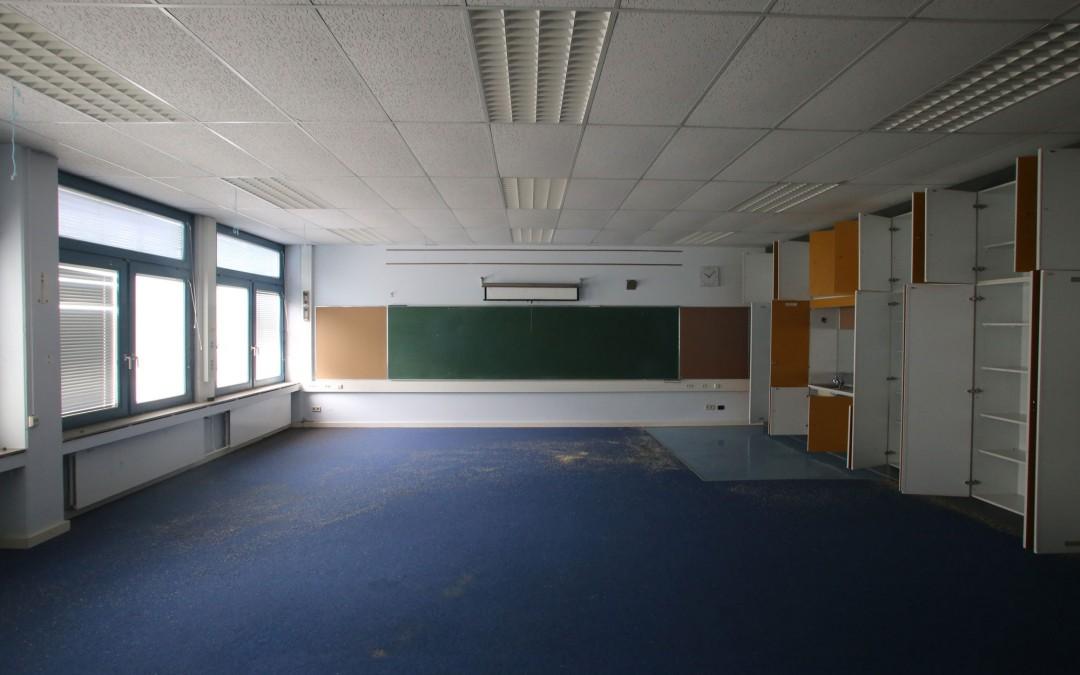 Das Zimmer leer geräumt, die Tafel ein letztes Mal gewischt: Ein Klassenzimmer in der Schule der Marshall Heights. (Foto: Christoph Eiben)